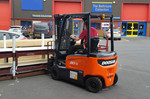 New Doosan series 7 electric forktrucks venture outdoors